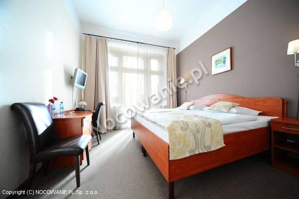 cennik hotel polonia wroc aw pi sudskiego 66. Black Bedroom Furniture Sets. Home Design Ideas