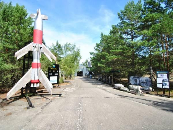 139-leba-muzeum-wyrzutnia-rakiet.jpg (600×450)