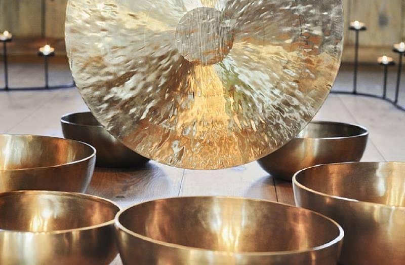 Koncert mis i gongów tybetańskich w Grodzisku Owidz w Starogardzie Gdańskim