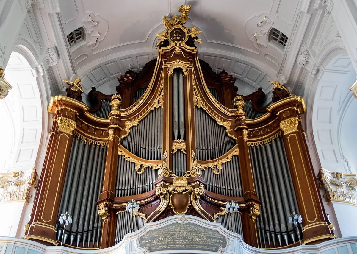 Koncert organowy w kościele Nawiedzenia NMP w Jastarni