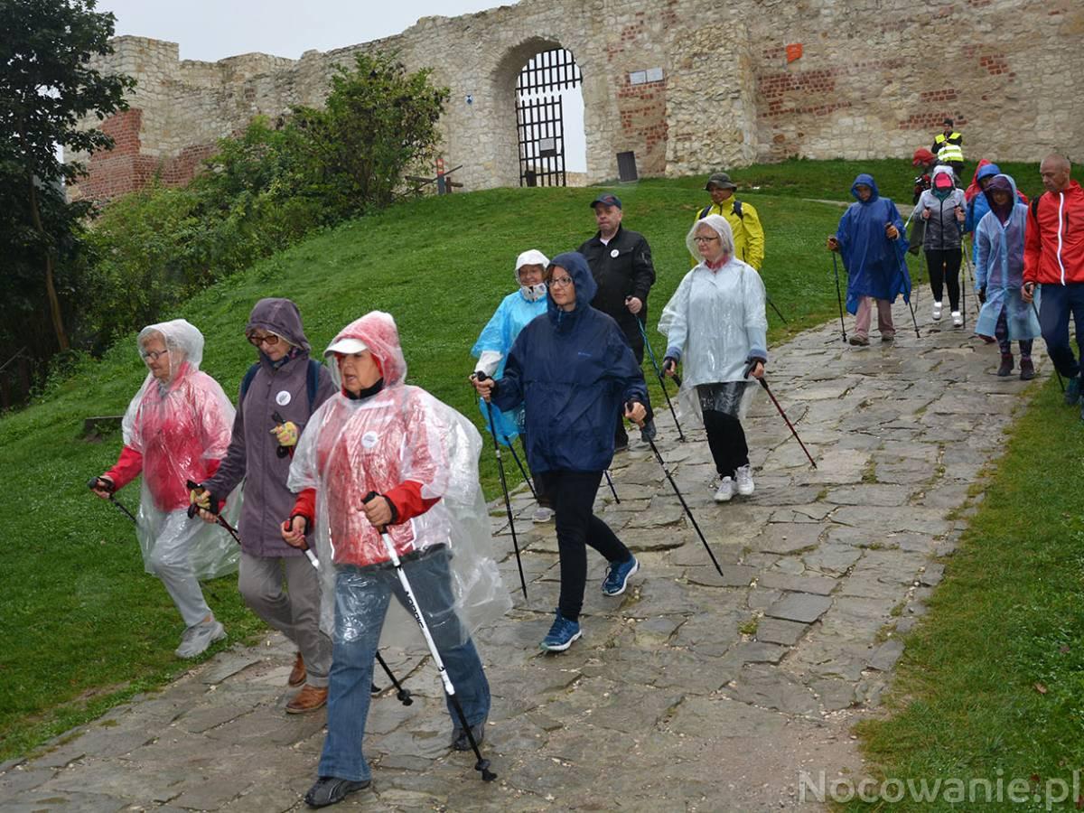 Najście na Zamek - rajd Nordic Walking