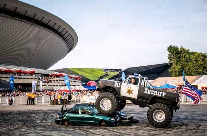 Pokaz Extreme Cascaders Team w Sandomierzu