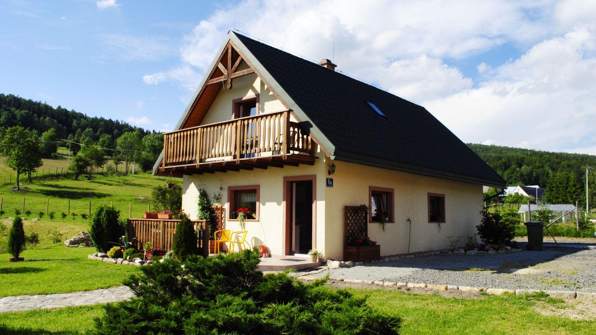 Modernistyczne Domek w Starym Gierałtowie w górach i nad wodą Stronie Śląskie AS13