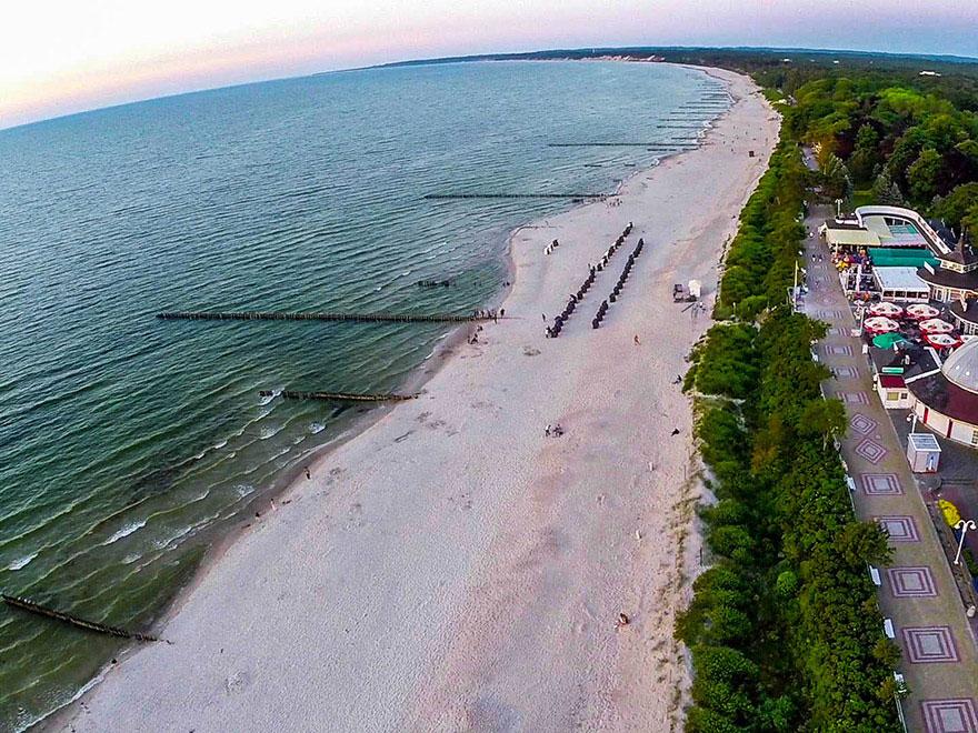 Plaża i promenada w Ustce