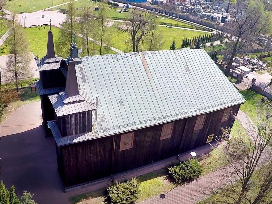 Drewniany kościół w Kampinosie