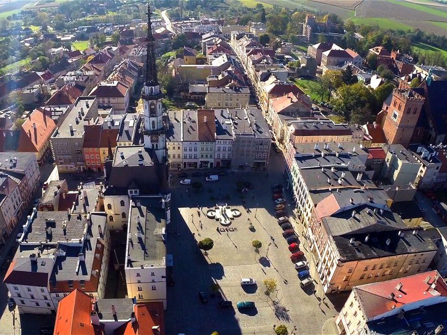 Ratusz i Krzywa Wieża w Ząbkowicach Śląskich