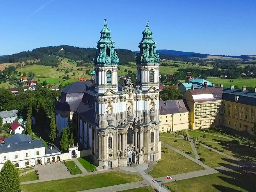 Sanktuarium w Krzeszowie