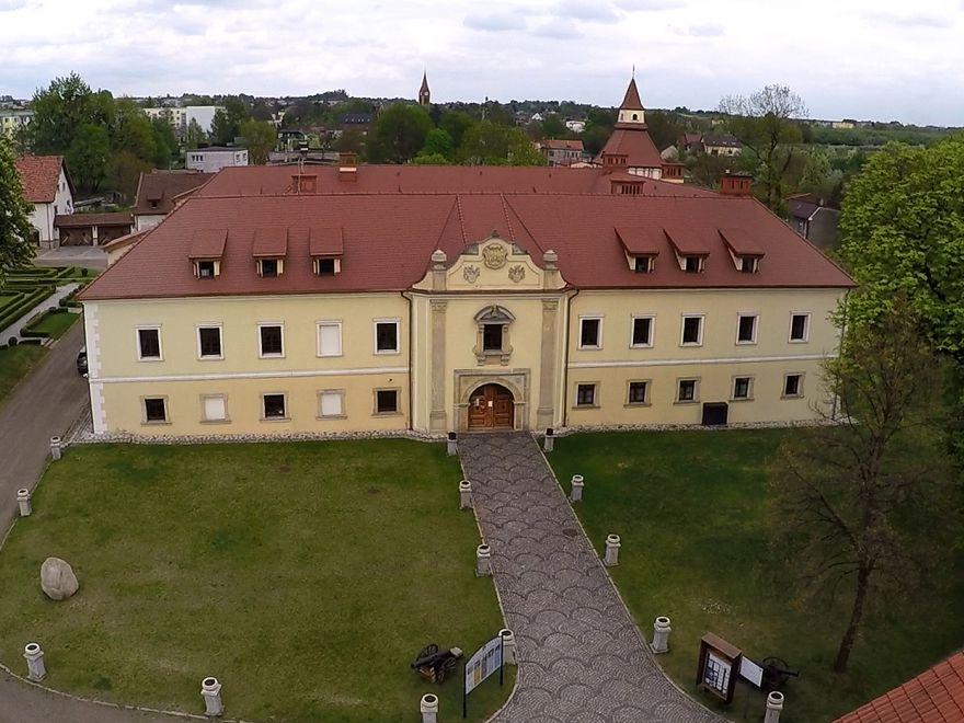 Zamek Tarnowice Stare