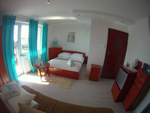Rooms and Apartments near the beach Villa Riffe and Villa Beach