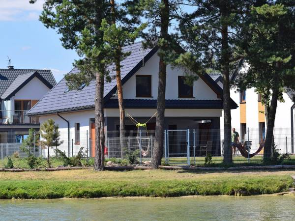 Beach house at the Lake Białe
